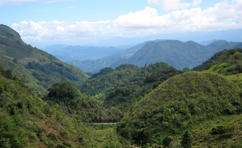 A view of the valley on our way to Lanquin.