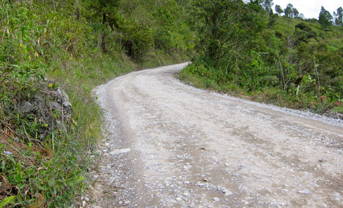 The dirt road to Lanquin.