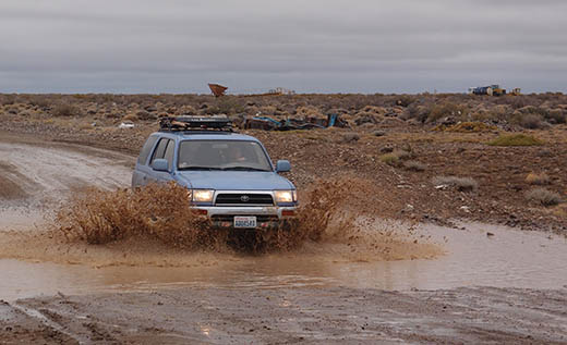 Blue through mud puddles on the Ruta 40