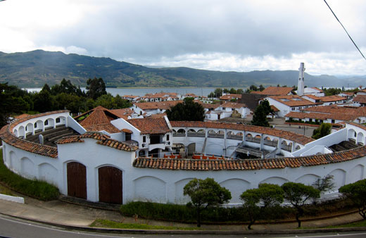 The colonial town of Guatavita.