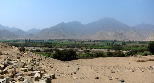 The valley of Caral.