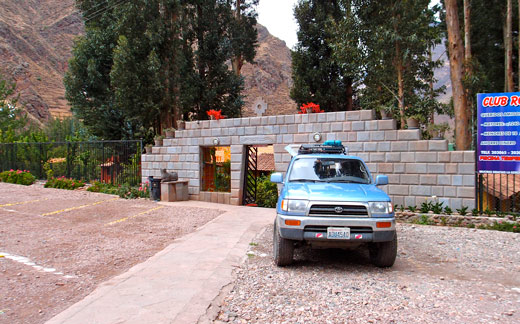 The parking lot in Pisac.
