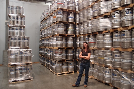 Jessica Picking a keg